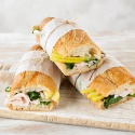 Sandwich Green con pavo braseado